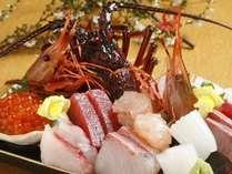 豪華汐彩会席料理のお刺身。伊勢えびとお魚の分厚さに満足!
