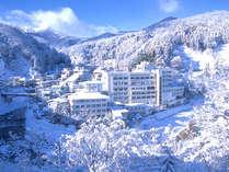 *【外観(冬)】冬は土湯温泉一帯が、雪景色に包まれます。