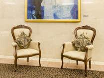 ≪ロビー≫聖路加ガーデンの1階がロビー。客室は33階以上の高層階です。