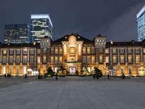 ≪東京駅≫丸の内口の美しい赤レンガ姿は夜もおすすめ(八重洲口から車/バスで約10~15分)
