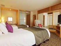 【和洋室(62平米)】洋室と6畳和室に幅1200mmベッド2台とお布団をご用意(眺望:隅田川側)