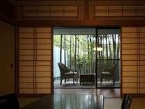 【すずらん】和室から眺める趣のある竹林