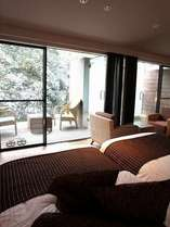 【すすき】バルコニーには開放感溢れる露天風呂があります
