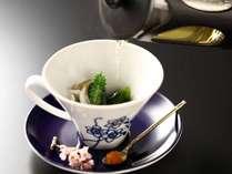 【ご夕食】春のお献立 突き 昆布出汁と鰹出汁を引き立てで