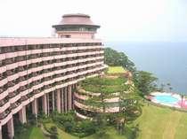 ホテルと庭園