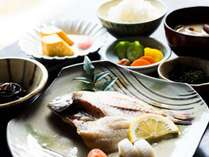 ほっかほかのご朝食をご用意いたします。四季折々の食材を使った朝食をお楽しみ下さい。