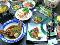 鮮度と旬にとことんこだわっているため食材は四季折々異なります