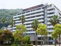 熱海港まで徒歩2分とアクセス抜群!全室バルコニー付のリゾートホテル