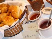 オリジナル特製パンはいかがですか?優雅な朝食のひとときをお楽しみ下さい。