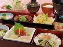 松花堂風会席、彩り料理プラン