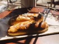 信州立科産のリンゴをたっぷり使った手作りパン
