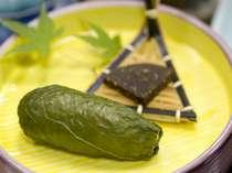 高菜の漬物が巻かれた十津川名物「めはり寿司」♪小型で食べやすいです^^