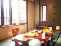 椿館和室 コンパクトですが調度品にこだわったお部屋です。