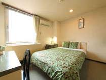 ベッドもお部屋も広々!デラックスダブルルーム