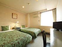 ベッドもお部屋も広々!ツインルーム