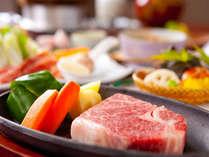 A おんせん県【贅沢編】 柔らか~130gの和牛ステーキ会席 温泉の露天風呂付き客室 夕食部屋食プラン