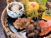 *【料理一例・八寸】茶道も盛んであった中津川ならではの、季節に合わせたお料理をご用意致します。