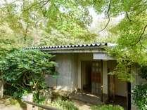 *離れまでの道のりも季節を感じることができます,岐阜県,夜がらす山荘 長多喜
