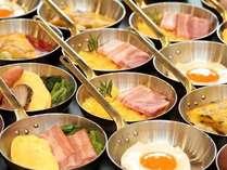 ◆エッグコートでは出来たてのオムレツや目玉焼きなどをご用意♪