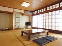 *【和室12畳一例(月山)】お部屋でごゆっくりとお寛ぎください。