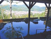 *開放感のある露天風呂を景色と共にお楽しみください。