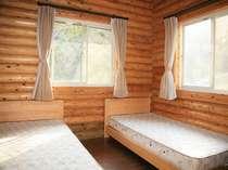 1階寝室です