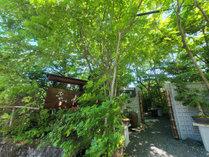 """外観 自然に抱かれたひやまはまさに""""隠れ家"""" 四季が彩る美食の宿へ是非お越しください。"""