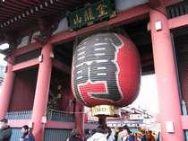徒歩で行けちゃう浅草寺雷門。おいでませ。