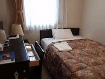 ■客室:ベッド幅は120cm幅とゆったりサイズ♪