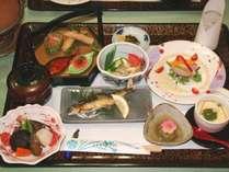 【1日1組限定】夕食お部屋出しプラン♪旬の味覚を使った会席料理をお部屋にご用意♪【1泊2食】