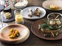 【シェフディナー一例】地元の素材を生かしたフレンチと和のフュージョンディナーです。