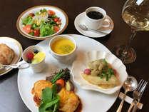 ご夕食:ご宿泊者様特別メニュー又はパルコ内提携店でお召し上がりください♪
