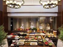 【sakurazaka】旬の素材と地元の食材を使ったブッフェレストラン「sakurazaka」。朝食と昼食にご利用下さい