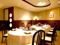 李芳では、ご家族での利用からグループでの会食まで、さまざまなシーンに対応できる個室をご用意