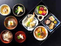 開業30周年記念ランチ(ランチコース)秋の食材をたっぷり楽しめる松花堂弁当です。 期間:~10月26日