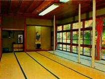 ご宴会・ご会食場(一階中広間・30畳)※小中ク゛ルーフ°の会食場や「日帰り温泉」用の休憩所として使用