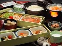 手作り豆腐、岩手県産採れ立て卵のベーコンエッグ他「はなまき朝ごはんプロジェクト」参画素材を使った料理