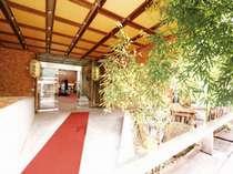 湯快リゾート下呂彩朝楽別館へようこそ!温泉街まで歩いてすぐ♪湯めぐりや観光を楽しみたい方に最適デス!