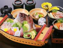 「そんなに いっぱい食べれないわ…。」では舟盛りの量はキープで御膳を食べ切れる量に♪