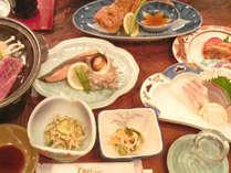 【スタンダード夕食】新鮮な海の幸&自家農園でとれた野菜・米を使ったお料理です