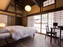 【欅104】窓から竹田城跡の四季の移ろいを望むコンパクトな客室