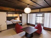 【欅102】現代の技術では修復不可能な金砂の砂壁が残る趣深い客室