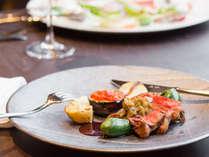 但馬牛や、地元で採れた新鮮なお野菜を中心とした極上のフレンチディナーをご堪能ください。