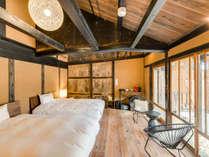 【藤302】2018年8月OPEN!プライベートな中庭を臨み、2階に和室を備えたロフトタイプの客室