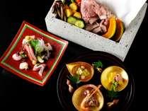 【夕食会席イメージ】メインは、日本では唯一栃木県のみで採取される「大谷石」を使った石室焼き※