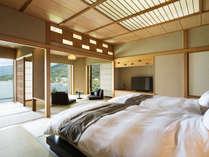 【中禅寺湖側客室】次の間付きの客室は定員4名様。ゆとりのある空間です。