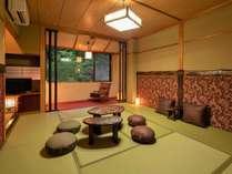 シンプルながら調度品にこだわったモダンな客室になっております。