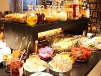 オープンキッチンで楽しめるブレックファーストブッフェ