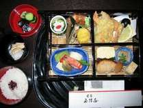 【料理】ミニ懐石♪これに、お刺身とご飯、お吸物、香物がつきます
