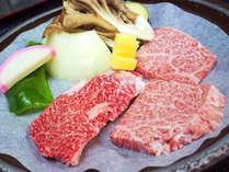 ・夕食一例:仙台牛の陶板焼き。肉の旨味が口いっぱいに広がります